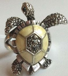 Jewels By Lux 14K Yellow Gold Sea Turtle Pendant 2D and Textured