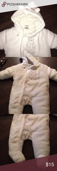 Polar bear snowsuit size 0-3 months Only worn once and in perfect condition. Adorable polar bear snowsuits. Can be unisex. Other