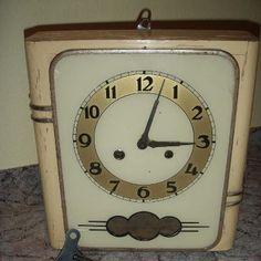 Kuchyňské hodiny Childhood Memories, How To Memorize Things, Retro, Clock, Antiques, Socialism, Vintage, Home Decor, Nostalgia