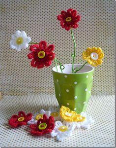 gehaakte-bloemen-in-vaas