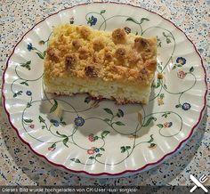 Butter - Hefe - Streuselkuchen mit Sahne