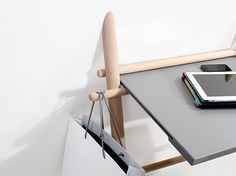 Laurent Corio: Appunto Folding Table