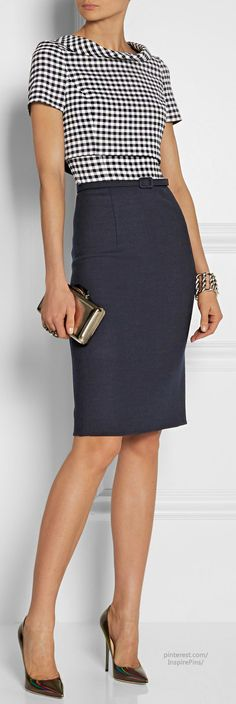 "Oscar de la Renta Gingham wool-blend dress ""a là mode vintage"". Style Work, Mode Style, Style Me, Office Fashion, Work Fashion, Jw Mode, Business Outfit, Business Style, Professional Attire"