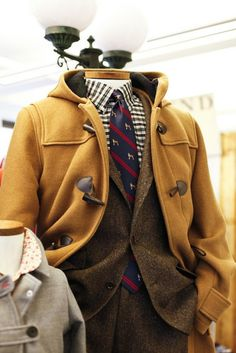 Preppy overcoat with toggles. Outfits Casual, Mode Outfits, Sharp Dressed Man, Well Dressed Men, Preppy Style, My Style, Preppy Men, Grown Man, Look At You