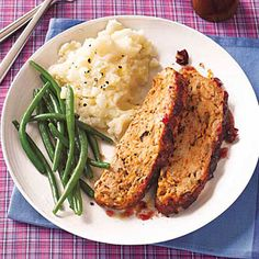 Turkey Meat Loaf with Cranberry Glaze delivers those favorite Thanksgiving flavors.. ☀CQ #glutenfree