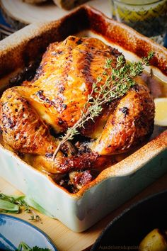 Poulet rôti au four au thym et citron · Aux délices du palais Batch Cooking, Cooking Time, Cooking Recipes, Love Food, A Food, Food And Drink, Confort Food, Braised Chicken, French Food