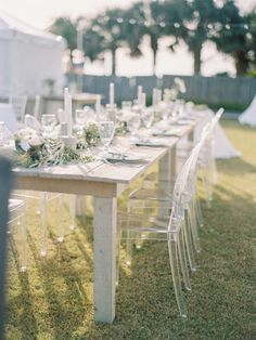 Photography : Lauren Kinsey Read More on SMP: http://www.stylemepretty.com/2016/03/14/modern-minimalist-rosemary-beach-wedding-in-florida/