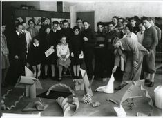 """Josef Albers, teaching the Bauhaus Basic Course in Weimar, It is origami here, as a basic tool to experiment with form, dimension and material. Very progressive at that time. He was the only """"studied"""" teacher at the Bauhaus. Josef Albers, Anni Albers, Herbert Bayer, Paul Klee, Wassily Kandinsky, Walter Gropius, Ludwig Mies Van Der Rohe, Art Bauhaus, Bauhaus Textiles"""