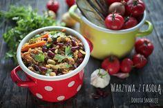 Duszone warzywa z fasolą – jednogarnkowe danie wegańskie Kung Pao Chicken, Lunch, Ethnic Recipes, Food, Diet, Lunches, Meals, Yemek, Eten