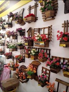 34 Basic Exterior Wall Into an Elegant Vertical Garden and The Perfect – Decoration Pallet Crafts, Wooden Crafts, House Plants Decor, Plant Decor, Craft Stick Crafts, Diy And Crafts, Vertical Garden Design, Wooden Plant Stands, Decoration Plante