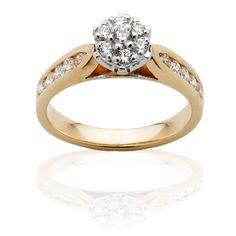 Diamond Engagement Ring Total diamond weight 0.47ct