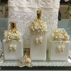 Wine Bottle Crafts, Bottle Art, Bottles And Jars, Perfume Bottles, Apothecary Jars Decor, Wedding Wine Glasses, Gold Christmas Decorations, Embroidered Towels, Craft Ideas