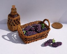 Tiny miniature grapes in 12th scale for dollhouse.Doll's miniature, miniature…