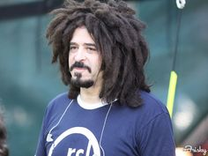 Adam Duritz of Counting Crows. There's an easier, less smelly way - get a mop and wear it on your head. Counting Crows, Music Stuff, Celebrity Gossip, Real Women, Cool Bands, I Laughed, Dreadlocks, Popular, Cringe