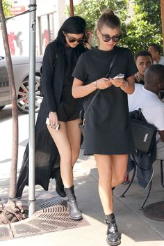 August 19: Kylie and Sofia out for lunch at Urth Caffe in West Hollywood.