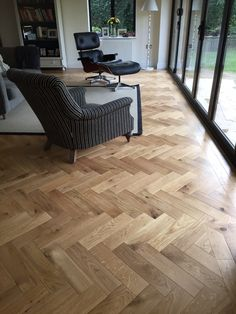 European Oak Engineered parquet herringbone with bevelled edge. European Oak Engineered parquet herringbone with bevelled edge. Decking of a residence is one of the most remarkable int. Engineered Wood Floors, Timber Flooring, Concrete Floors, Hardwood Floors, Flooring Ideas, Natural Oak Flooring, Karndean Flooring, Planchers En Chevrons, Parquet Chevrons