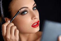 4 sposoby na perfekcyjne brwi