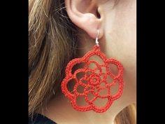 Tutorial Orecchini Rotondi all' Uncinetto Crochet Jewelry Patterns, Crochet Accessories, Crochet Designs, Crochet Chocker, Crochet Earrings, Skull Earrings, Cute Earrings, Bijoux Shabby Chic, Jewelry Crafts
