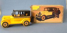 ~~$12.95  Vintage Avon Yellow Taxi 1926 Checker Cab Wild Country After Shave Bottle MIB