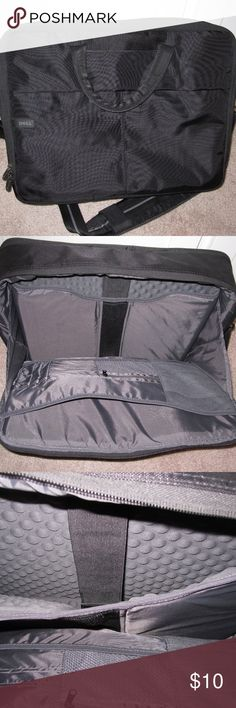 """Laptop Messenger Bag Messenger bag that can fit up to a 16"""" laptop.  It has a lot of pouches and pockets, as well as a shoulder strap. It's in great condition and looks like it was never used. Bags Shoulder Bags"""
