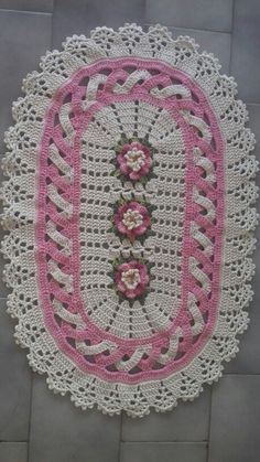 Jenny Boone's media content and analytics Crochet Doily Rug, Crochet Carpet, Crochet Table Runner, Crochet Mittens, Crochet Dishcloths, Crochet Tablecloth, Thread Crochet, Crochet Yarn, Crochet Bobble