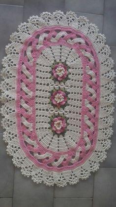 Jenny Boone's media content and analytics Crochet Doily Rug, Crochet Carpet, Crochet Mittens, Crochet Dishcloths, Crochet Tablecloth, Thread Crochet, Crochet Yarn, Crochet Bobble, Crochet Home Decor