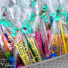 Bag 'em up! birthday in a bag classroom birthdays school cla Classroom Birthday Gifts, Student Birthday Gifts, Classroom Treats, School Birthday, 4th Grade Classroom, Classroom Community, Classroom Setup, Student Gifts, School Classroom