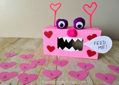 Make learning about letters fun for preschoolers with this Valentine Monster Alphabet Game. Kids will smile and giggle as they feed the monster letters. Make sure to make some chomping monster chewing sounds to make the activity extra fun. Easy Valentine Crafts, Valentines Games, Valentine Day Boxes, Valentines Day Activities, Valentines Day Party, Funny Valentine, Letter P Crafts, Fun Crafts, Crafts For Kids