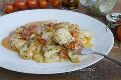 Pollo con pomodorini e scamorza alla pizzaiola in padella ricetta secondo gustoso veloce <3