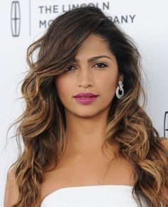20 of the Most Gorgeous Ombré Hair Looks of All Time Hair Color Purple, Blonde Color, Purple Lips, Celebrity Hairstyles, Diy Hairstyles, Easy Hairstyle, Hairstyle Ideas, Hollywood Curls, Best Ombre Hair