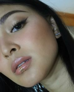 Nadine make-up for ABSCBNBall by jelly eugenio (jelly IG post sept 29 Lady Luster, Filipina Actress, Nadine Lustre, Jadine, Style Icons, Septum Ring, Make Up, James Reid, Beautiful