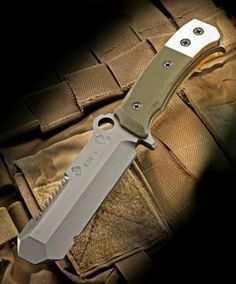 Medford-USMC EOD-1 knife was developed in collaboration with current USMC EOD Technicians out of 29 Palms and is presented here as the 1st production run for the United States Marines. It is rich on features for these trained EOD operators. The EOD1 is made from D2 steel and features a blunt tip blade, saw back and carabiner hole. The handle has textured G10 scales and tool steel hammer plates. At the base of the handle is a crow bar for opening canisters.  $500.00