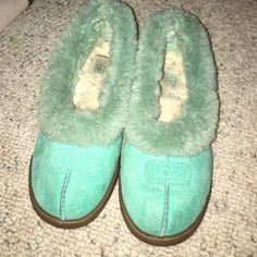 Size 8 Ugg slippers make offer  Worn but still in good condition ugg slippers. 100 percent authentic. No trades and will on negotiate thru offer button UGG Shoes Slippers