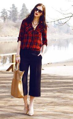 b24fad2ec086 Outfit - kalhoty F amp F - košile a kabelka Stradivarius - Módnípeklo.cz Te