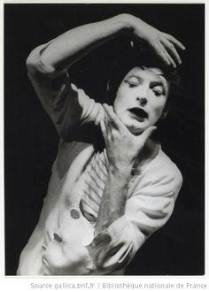 [Recueil de photographies. Portraits de Marcel Marceau / Etienne Bertrand Weill] - 11