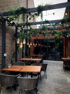 Outdoor Restaurant Design, Deco Restaurant, Restaurant Interior Design, Brick Restaurant, Industrial Restaurant Design, Backyard Restaurant, Cafe Shop Design, Coffee Shop Interior Design, Cozy Cafe Interior
