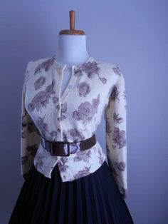 VINTAGE 1950s 1960s Cream Taupe Brown & Gray  by bluebarnvintage
