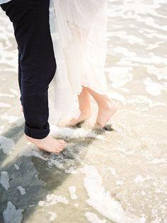 Beach Elopement Wedding Sparrow | Best Wedding Blog | Wedding Ideas  Photography by www.holeighvphotography.com