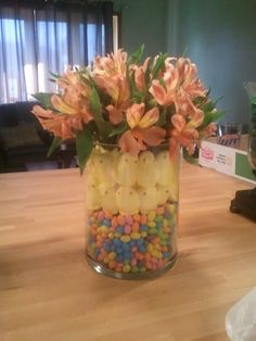 This is the easter center piece I made!!!!