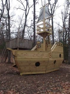 Pirate ship playhouse plans Search Welcome to Pirate Play Ships The Real Wood Pirate Ships I used my plans at KKEEYY The videos If you re looking Kids Playhouse Plans, Build A Playhouse, Playhouse Outdoor, Outdoor Play, Childrens Playhouse, Bois Diy, Play Yard, Outdoor Projects, Play Houses