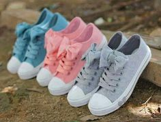 Pastel converse with bows-PERFECTION! For the girls who loves fashion, acessorizing, and colors like pastel and converse. Bow Shoes, Cute Shoes, Me Too Shoes, Ribbon Shoes, Awesome Shoes, Vans Shoes, Converse Shoes For Girls, Star Shoes, Girls Shoes