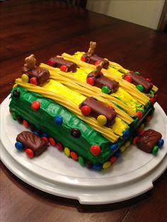 Cub+Scouts+Pinewood+Derby+Cake+cakepins.com