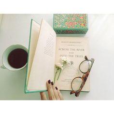 Coisas de Terê→ Chá com livros e Ernest Hemingway …