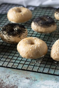 It's tough to beat a homemade bagel. These ones from Peter Reinhart have a good chew and a blistered crust. Everything you want in a bagel. Fast Healthy Breakfast, Breakfast Recipes, Pear Recipes, Fall Recipes, Rustic Italian Bread, Best Bagels, Homemade Bagels, No Knead Bread