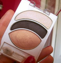 Beauty Broadcast: Almay Intense i-Color Trio Review