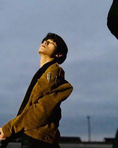 Gambar mungkin berisi: satu orang atau lebih, orang berdiri, langit, anak dan luar ruangan Nct 127, Yang Yang, Winwin, Jaehyun, Johnny Seo, Nct Group, Stray Kids Seungmin, Sm Rookies, Sakura