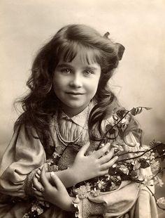 Lady Elizabeth Bowes -Lyon,1907.