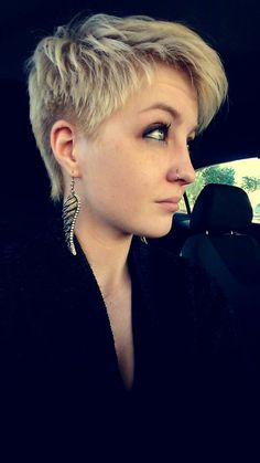 #pixie #pixiecut #shorthair #blonde