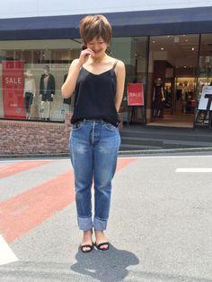 TODAY'S  SHIBUYA WOMEN 黒のキャミソール×ゴールドのアクセサリーで大人っぽく。
