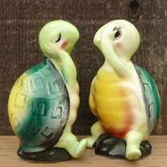 Salt and Pepper turtles #vintage